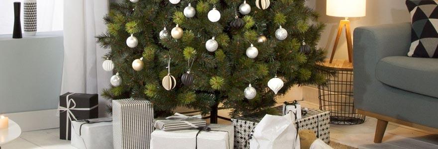 comment se fait la d coration de sapin de no l. Black Bedroom Furniture Sets. Home Design Ideas